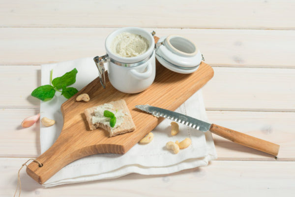 queso-vegano-cremoso-para-untar