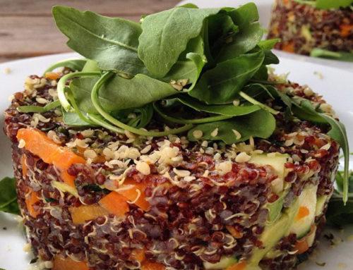 Pilaf de quinoa roja con verduras